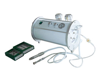 Chine Machine Microdermabrasion avec cristal distributeur